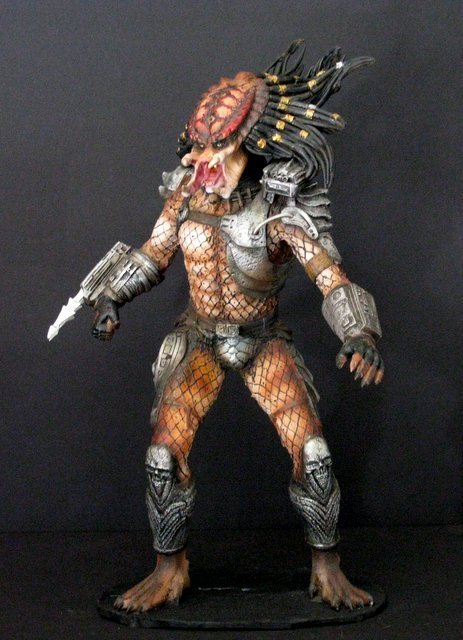 "PREDATOR ""The Hunter"" RARE PAINTED RESIN MODEL FROM - 5"