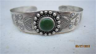 GREAT SILVER HANDCRAFTED INDIAN BRACELET W/ GREEN STONE