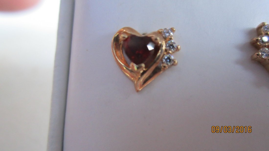 14K YELLOW GOLD EARRINGS W/ GARNETS - EXC. COND - 2