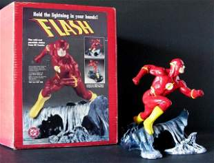 DC COMICS THE FLASH DELUXE PAINTED STATUE WITH BOX - DC