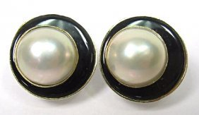14K Yellow Gold Onyx and Mobe Pearl Earrings w/ French
