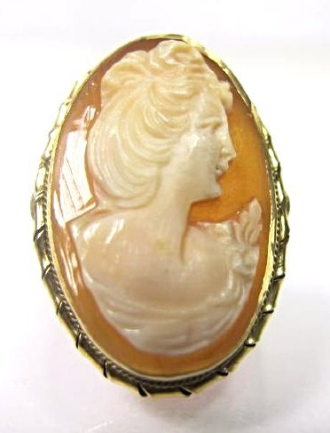 "18K Yellow Gold Cameo Ring, Size 8 1/2, 1""x 1/2"""