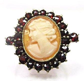 14K Yellow Gold Garnet Cameo Ring, Size 5 1/4