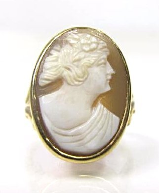14K Yellow Gold Cameo Ring, Size 6