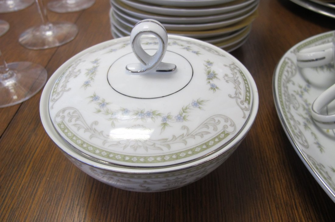 Mikasa Fine China, Japan Dinner Set to Include 12 - 3
