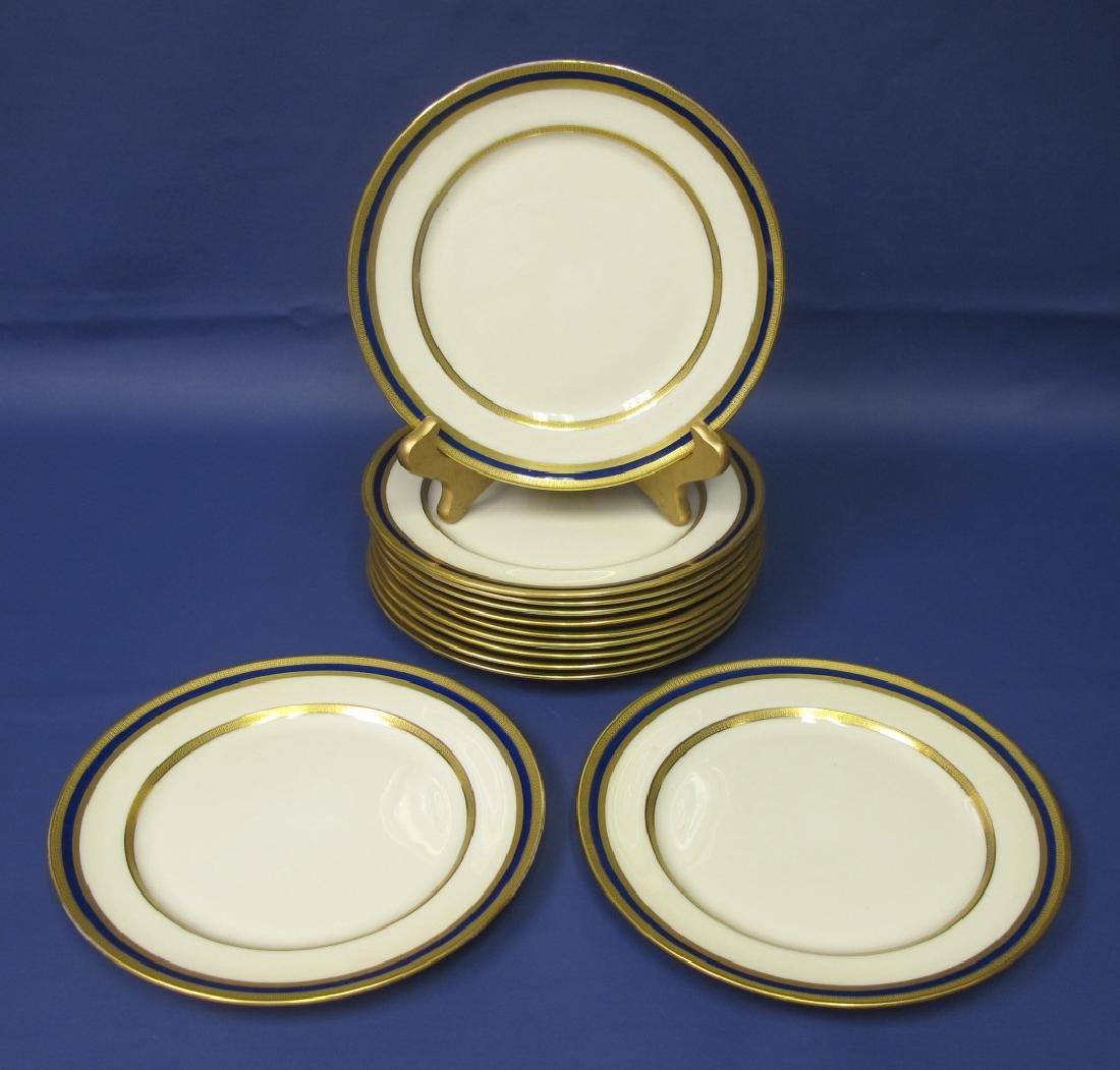 13 Lenox Luncheon Plates 7/S.38.B