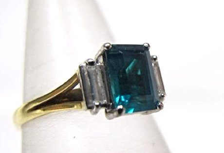 Platinum and 18K Yellow Gold Emerald and Diamond Ring - 2