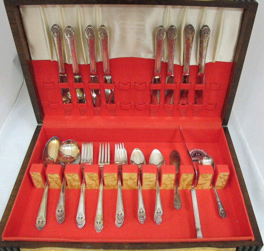 13: Holmes & Edwards Inlaid Silver Plated Flatware Set