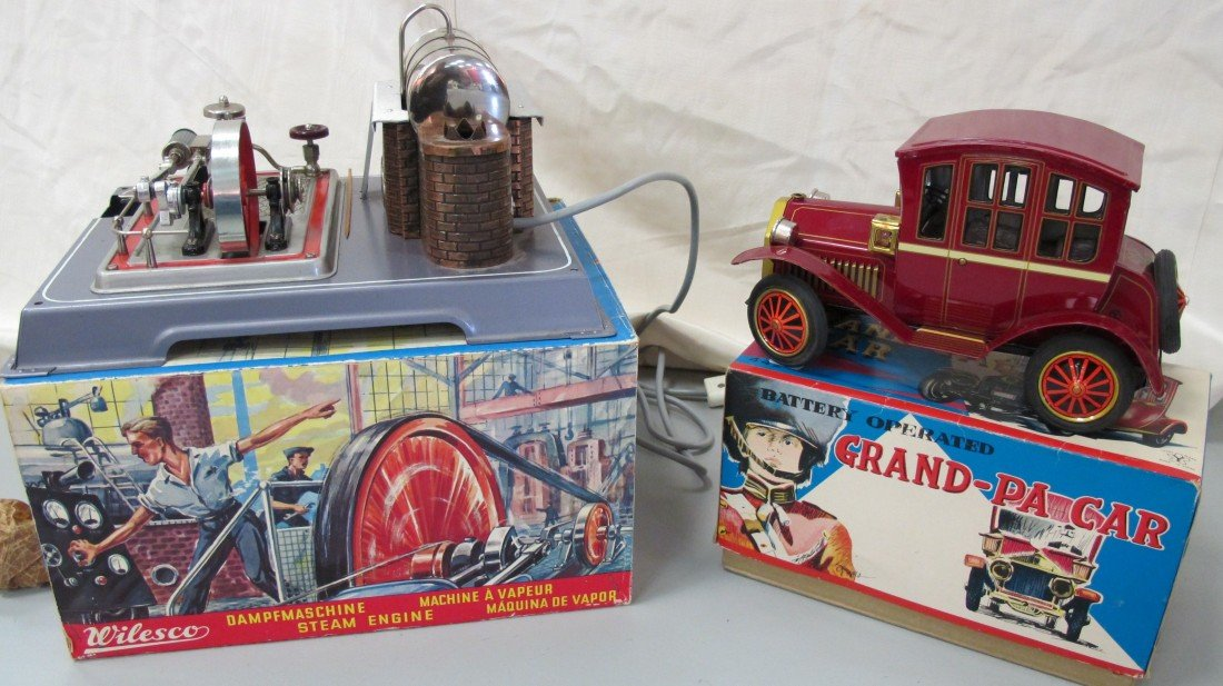 24: Battery Operated Grandpa Car and Wilesco Steam Engi