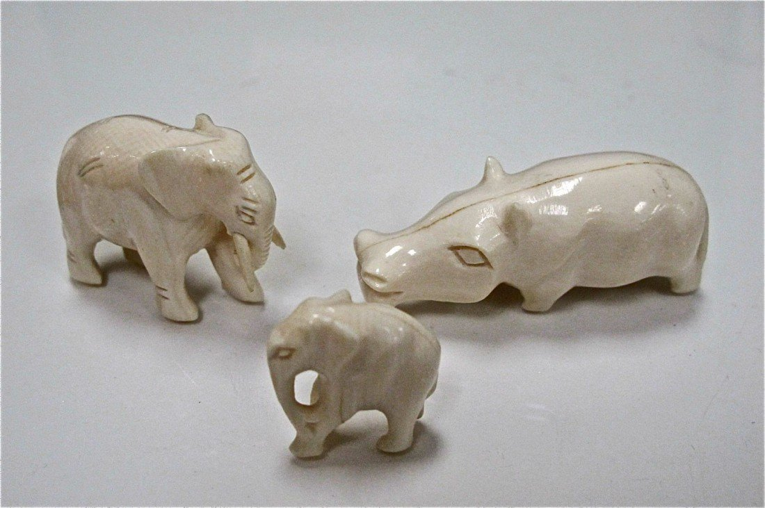"""20: Carved Ivory Elephant in Walking Stance 1 1/2""""L, Ca"""