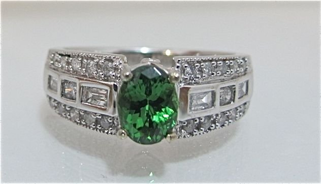 87: 14K White Gold Tsavorite & Diamond Ring