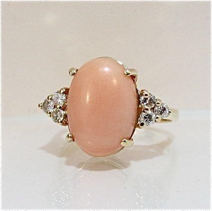 88: 14K Yellow Gold Coral & Diamond Ring