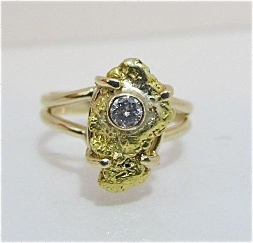 92: 14K Yellow Gold Diamond Ring