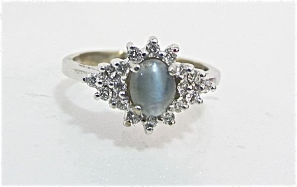 100: 14K White Gold Cat's Eye & Diamond Ring