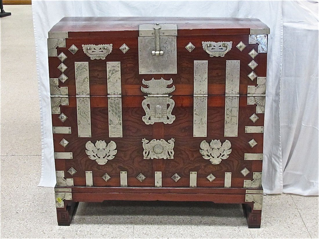 116: Red Pine Korean Pyong Yang Four Seasons Chest, Pyo