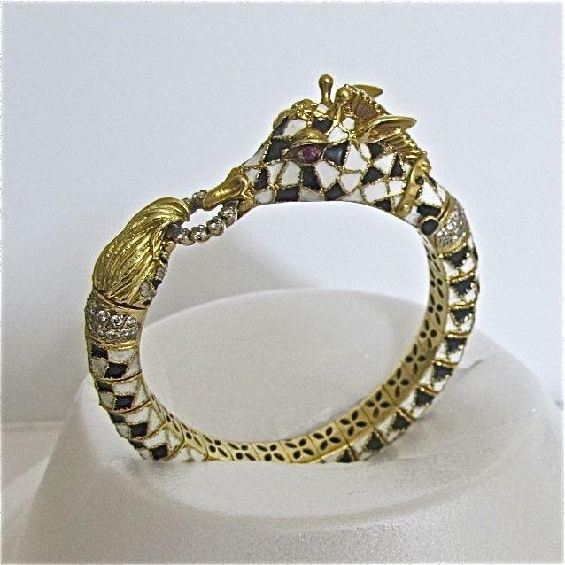 181: 18K Yellow Gold Giraffe Design Enamel Bracelet