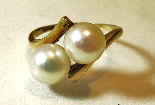 7: 14K Yellow Gold Twin Stone Pearl Ring