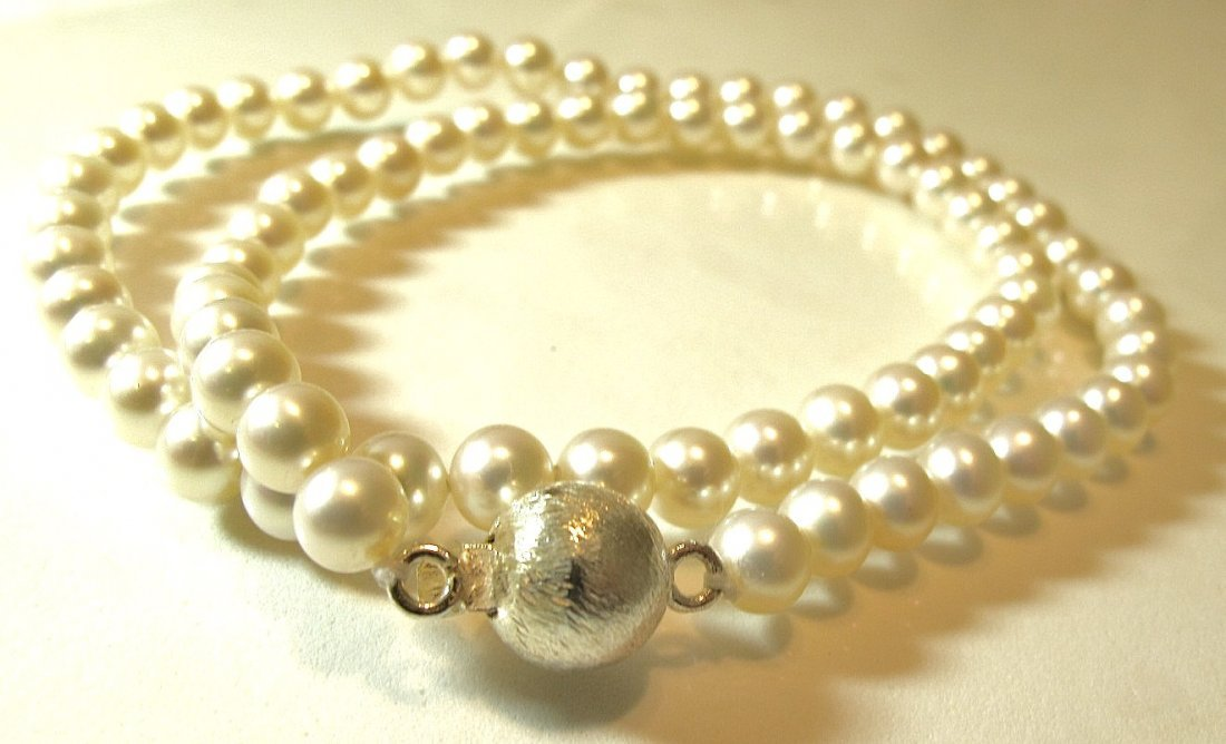 8: 6x6 1/2mm Choker Length Pearl Necklace