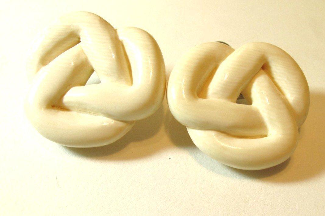 13: Ivory Earrings