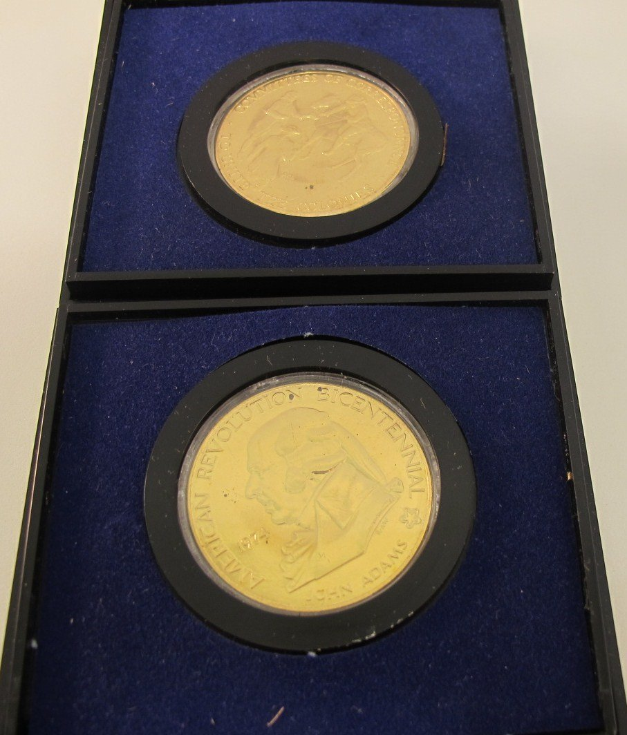4: Lot of Two 1974 American Revolution Medals