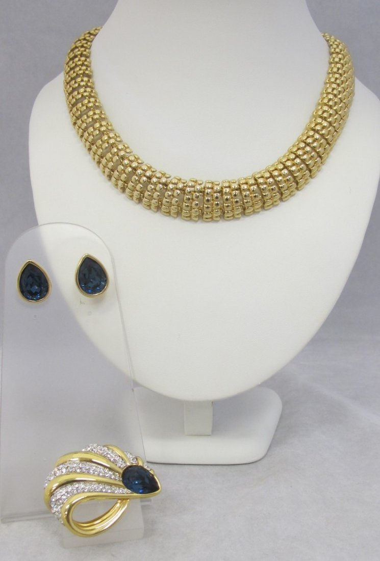 "E. Pearl Gold Tone Heavy Link Necklace 18"", S.A.L. Blue"
