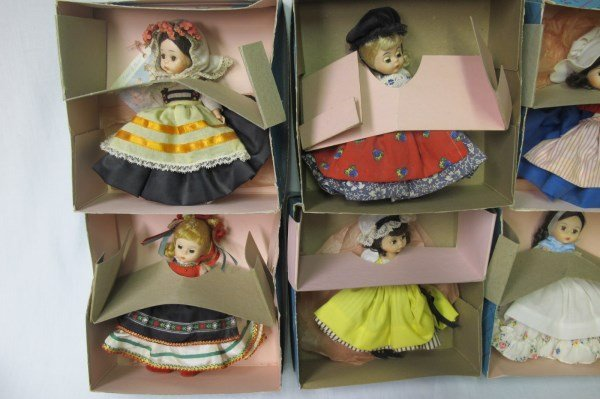 Collection of Madame Alexander Dolls and Autogrqph - 6