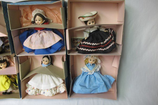 Collection of Madame Alexander Dolls and Autogrqph - 7