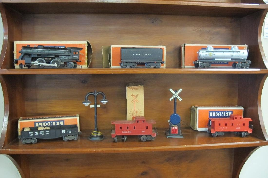 Vintage Lionel Train Set to Include: Tracks,