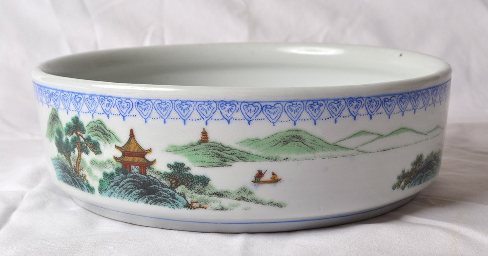 14: DECORATED PORCELAIN BOWL