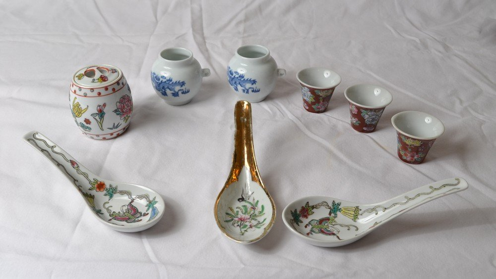 24: 9 PIECES OF FAMILLE ROSE PORCELAIN
