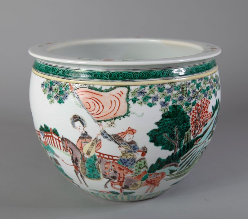 24: CHINESE FIVE COLOR POT