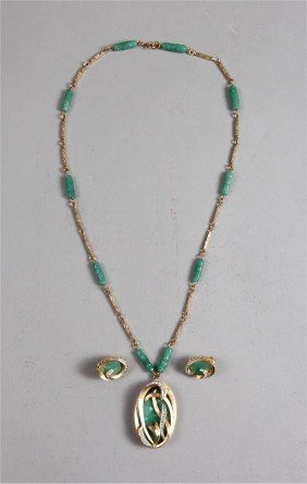 8A: 3 PIECE CHINESE JADE JEWELRY SUITE