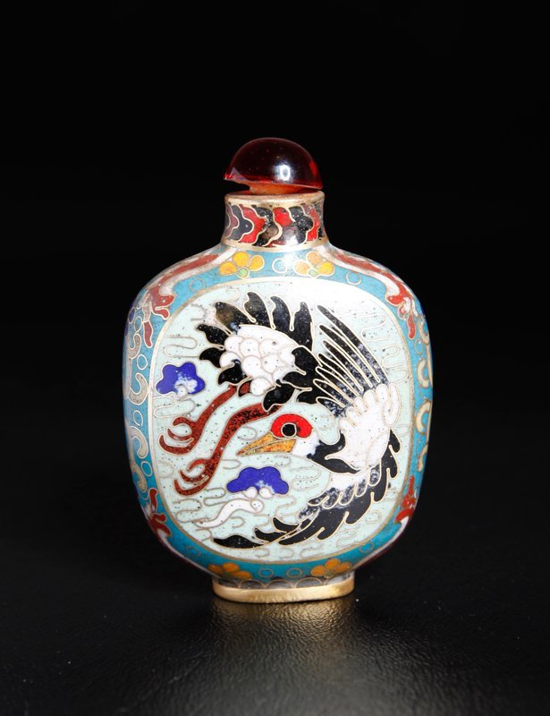 16: CHINESE CLOISONNE SNUFF BOTTLE