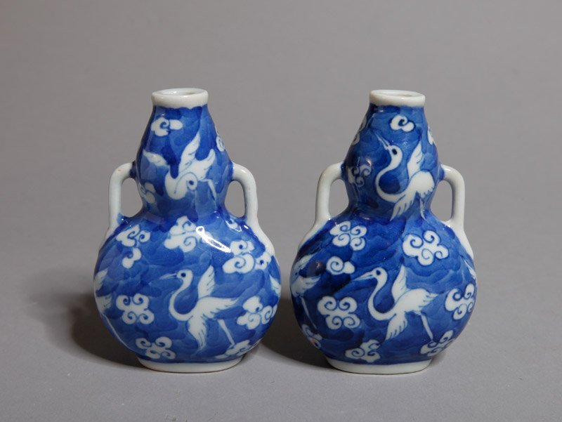 351: PAIR OF CHINESE BLUE AND WHITE SNUFF BOTTLES