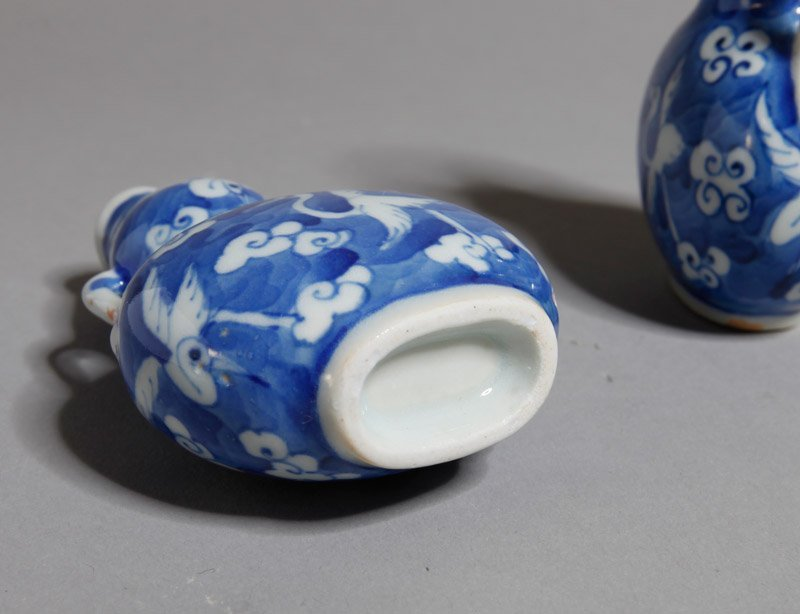351: PAIR OF CHINESE BLUE AND WHITE SNUFF BOTTLES - 3