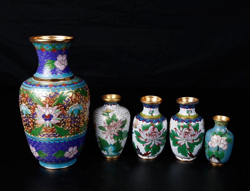10: 5 Chinese Cloisonne Vases