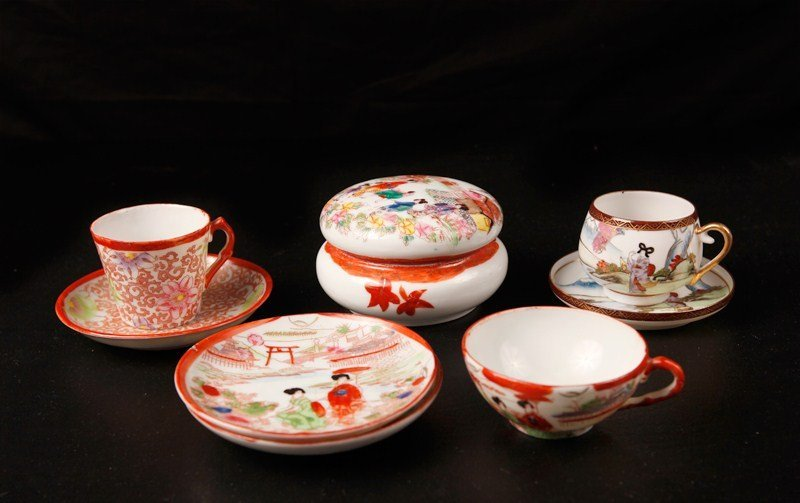 21: Grouping of Chinese Porcelain