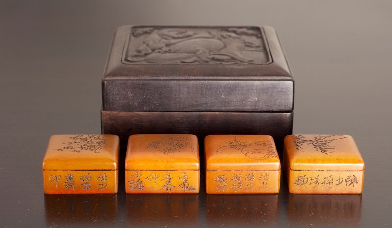 173: 4 Chinese Tianhuang Seals in Zitan Wood Box