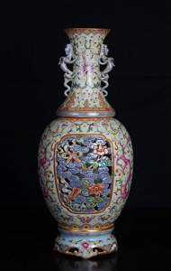 Stunning Chinese Famille Rose Revolving Vase