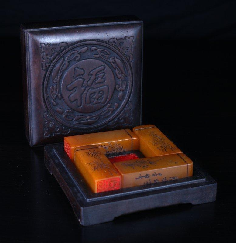 4 Chinese Tianhuang Seals in Zitan Wood Box