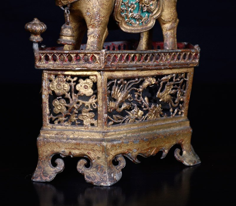 19th C. Chinese Gilt Silver Foo Dog of Wealth - 3