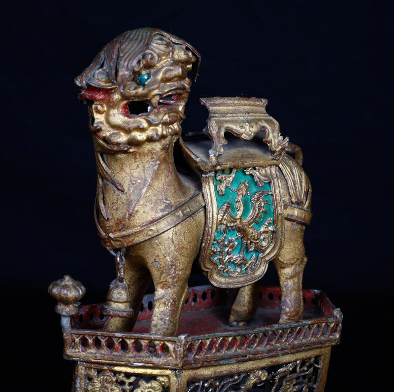 19th C. Chinese Gilt Silver Foo Dog of Wealth - 4
