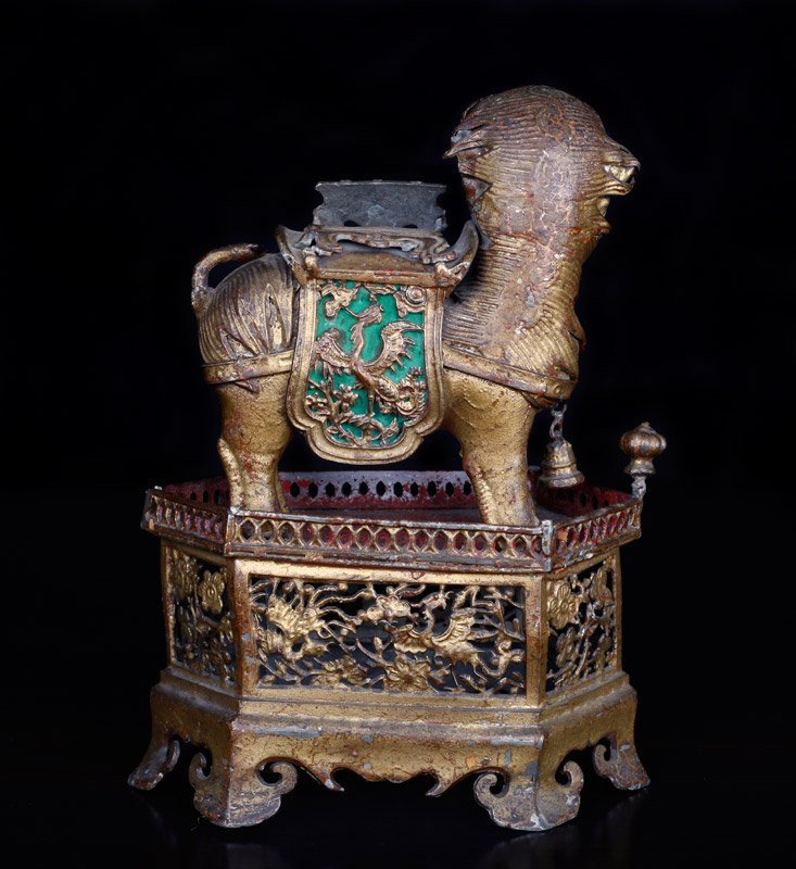 19th C. Chinese Gilt Silver Foo Dog of Wealth - 6
