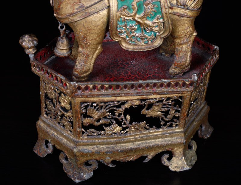 19th C. Chinese Gilt Silver Foo Dog of Wealth - 9