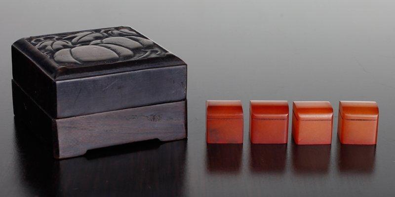 4 Chinese Shoushan Seals in Zitan Wood Box