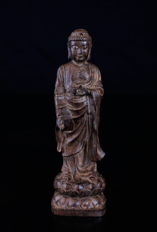 Chinese Carved Chenxiang Wood Statue