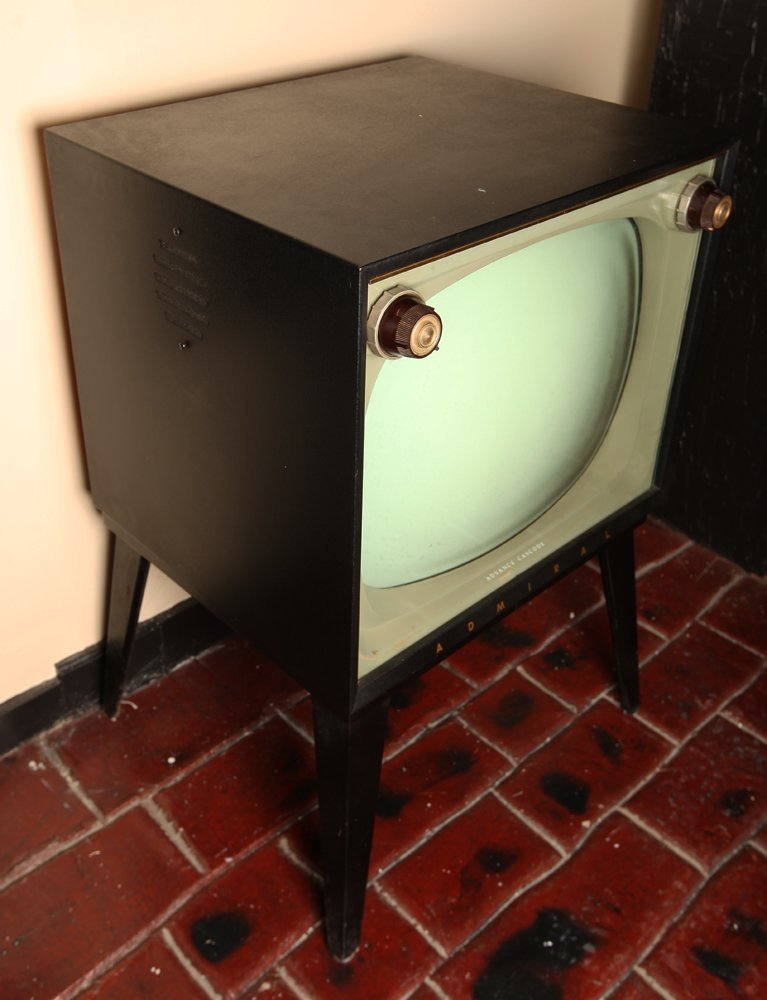 Vintage Admiral TV Advance Cascode Model #T2301DR - 2