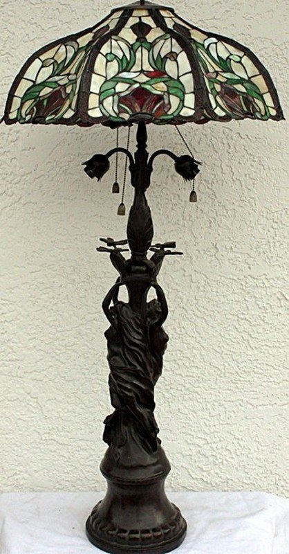 """""""Flowing In The Wind"""" Lamp"""