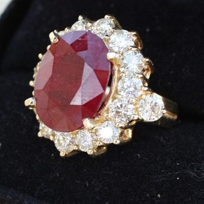 14M: Ladies Ruby and Diamond ring