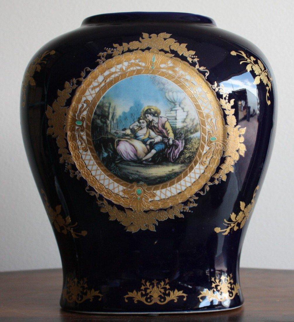 2D: Ornate porcelain vase